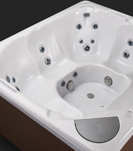 Beachcomber 360 portable Eco-Loc Hot Tub, afm. 224 x 203 x 97 cm