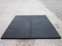 Rubbertegel, afm. 40 x 40 x 3 cm, zwart