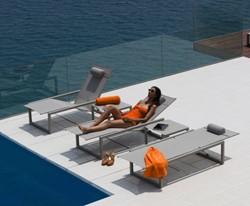 Ligbedden en relaxstoelen