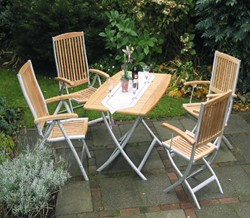 Tuinset: klaptafel met 4 Palermo klapstoelen met armleuning, aluminium/teak