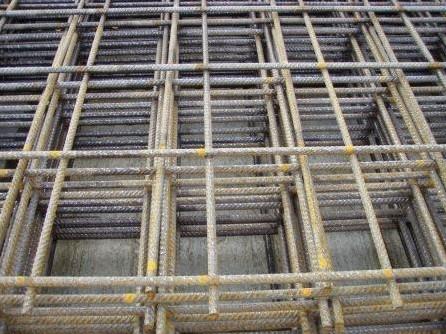 betonijzermat, afm. 200 x 300 cm, maas 15x15 cm, blank staal 6 mm (roest)