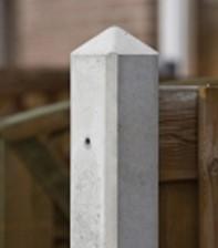 beton tussenpaal/eindpaal diamantkop voor hout/betonschutting 10x10, lengte 180 cm, glad wit