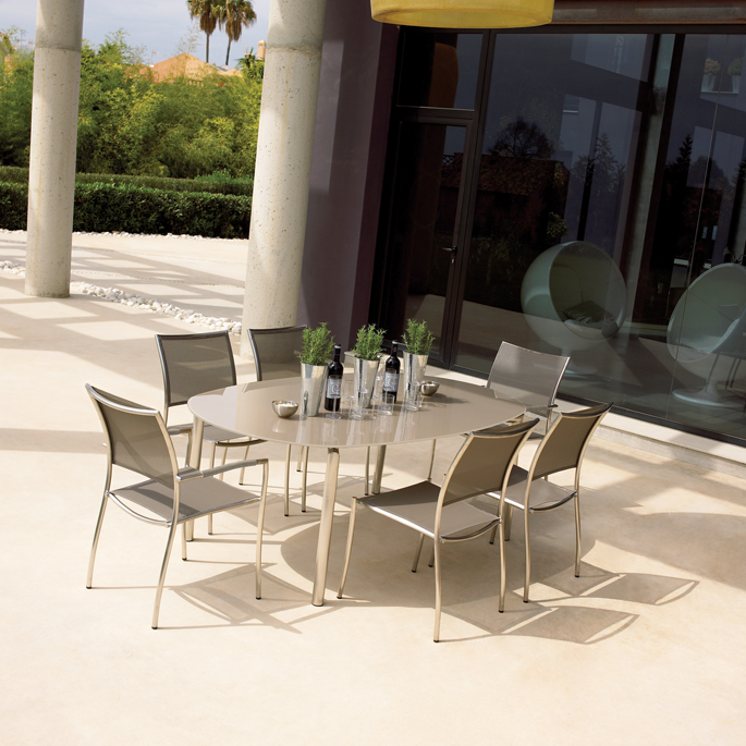 Gloster tuinmeubels Chorus diningset taupe, showmodel