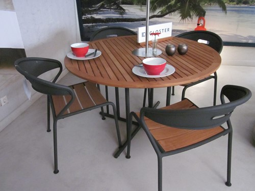 Gloster diningset Curve/Whirl, showmodel