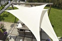 Nesling Coolfit schaduwdoek, driehoek met 90 graden hoek, afmeting 4 x 4 x 5,7 m, gebroken wit