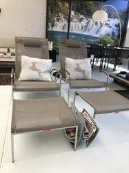 Royal Botania, set van 2 QT relaxstoelen met voetenbank