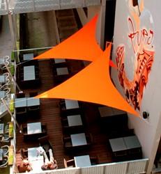 Umbrosa Ingenua schaduwzeil, driehoek, afm. 4 x 4 x 4 m, Limited Edition doek