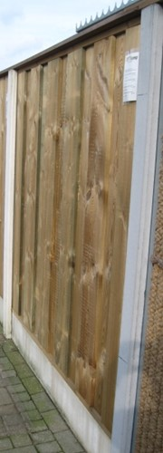 hout/betonschutting 12x12, dichtscherm, hardhouten deksloof, wit beton, per 0,96 m-2